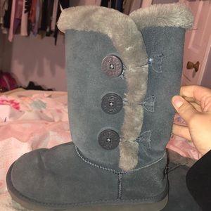 greyish blue uggs size 8